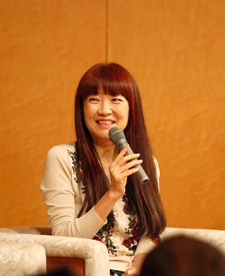 「毎日電話してた」と笑う桜沢エリカさん