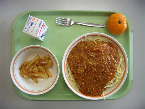 完全給食実施率25.7%の神奈川県、給食を取り巻く諸問題の画像1
