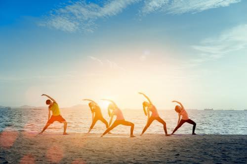健康被害が出るケースも…春の習い事シーズン、トンデモ・ヨガにご用心!の画像1