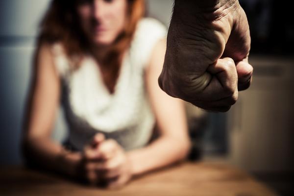 言いなりの妻、増長する夫と義父母…地獄のような義実家トラブルの画像1