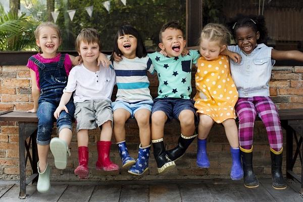 「子供を生み育てやすい国」は育休中の所得保障も充実、少子化対策に不可欠な社会保障とはの画像1