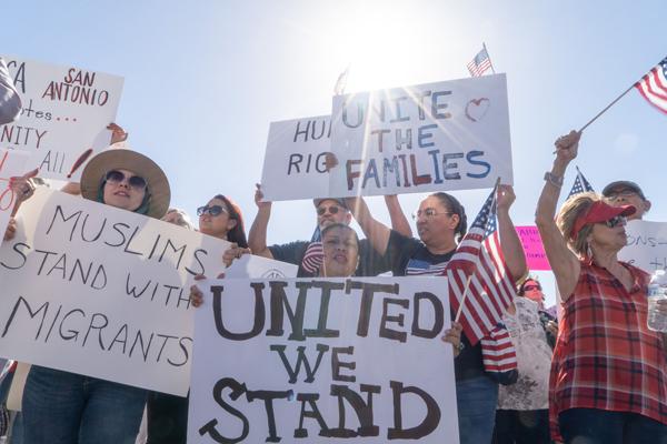 トランプの家族離散政策〜アメリカ人の妻と子供をのこして、強制送還の画像1