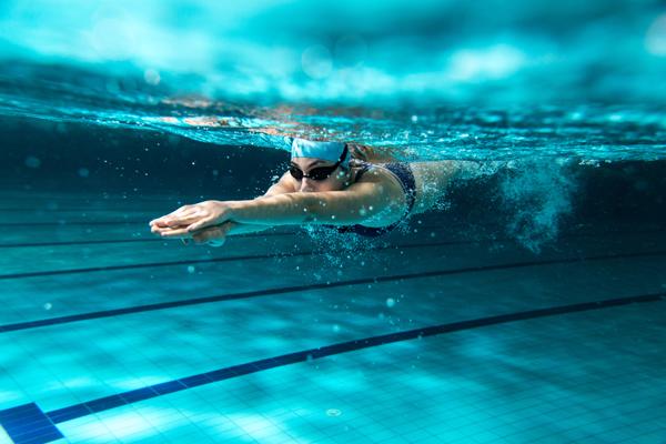 月経中に泳ぎたい女性にも、泳ぎたくない女性にも。元水泳選手でスポーツドクターの産婦人科医が伝えたいことの画像1
