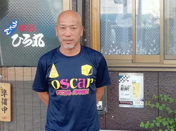 現在、大阪でうどん屋を経営している川合裕人氏