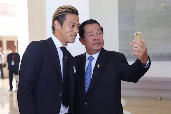 サッカーカンボジア代表監督に就任した本田圭佑 フン・セン首相による政治利用に懸念の声も!?の画像2