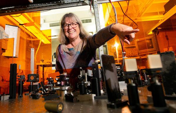 ノーベル物理学賞「レーザー物理学における画期的な発明」に、「本当に物理学賞なの?」とのギモンの声の画像1