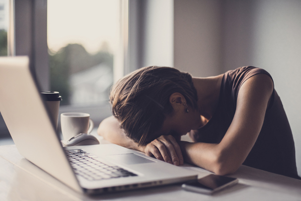【完成】精神障害の労災請求は過去最多 7割の企業経営者がメンタルヘルスケア不十分?の画像1