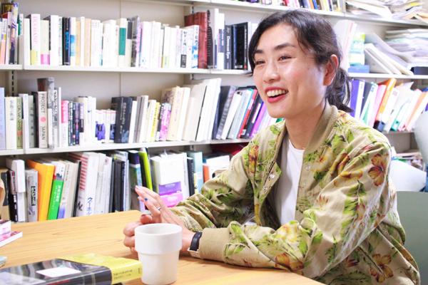 あなたも吃音かもしれない? 人を「不安」にさせる一冊『どもる体』著者・伊藤亜紗さんインタビューの画像1