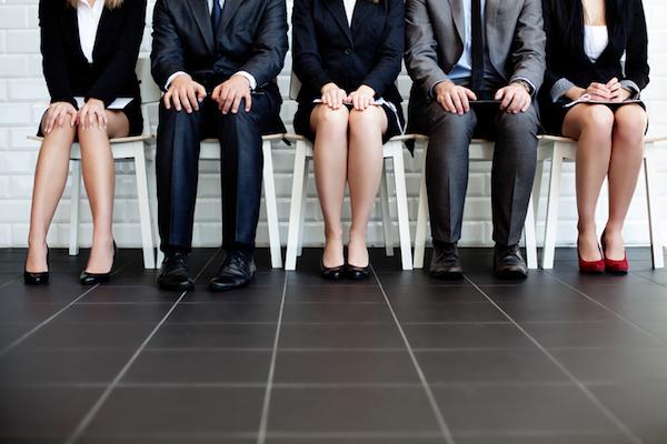 男子化する女子大学生の就活人気企業 背景に、好景気と大学キャリア教育の普及かの画像1