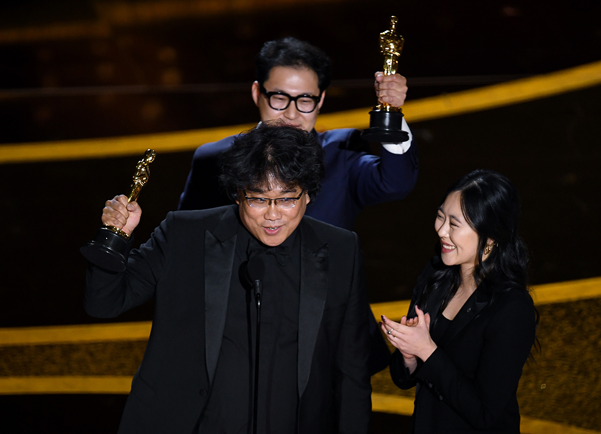 """『パラサイト』がアカデミー賞で乗り越えた1インチの壁と""""スーパー通訳者""""チェさんの言葉"""